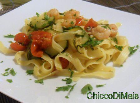 Pasta con gamberi e zucchine (ricetta primo)
