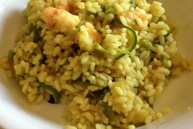 Riso con gamberi e verdure (ricetta orientale)