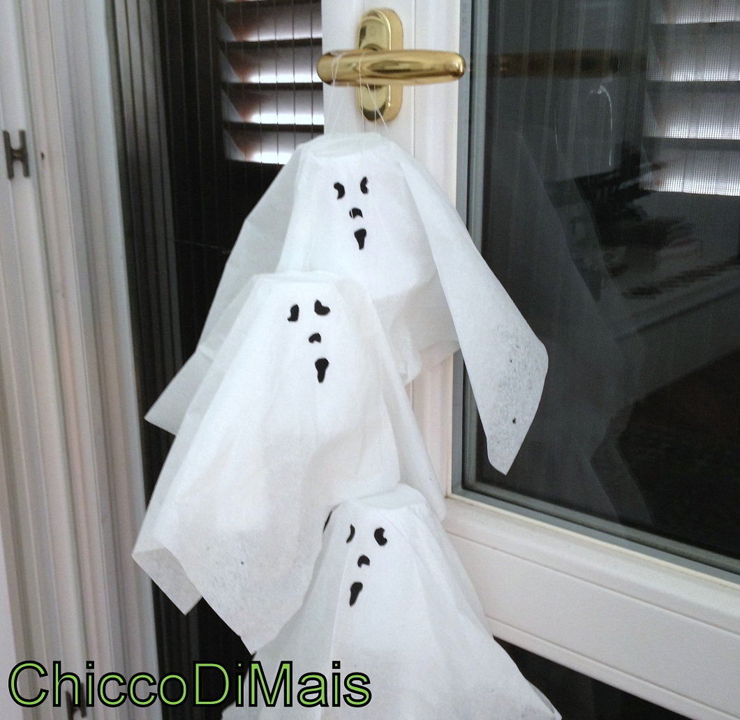 decorazioni di halloween fantasmini appesi fai da te tutorial chicco di mais