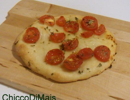 Focaccia senza glutine con pomodorini e origano (ricetta aperitivo)