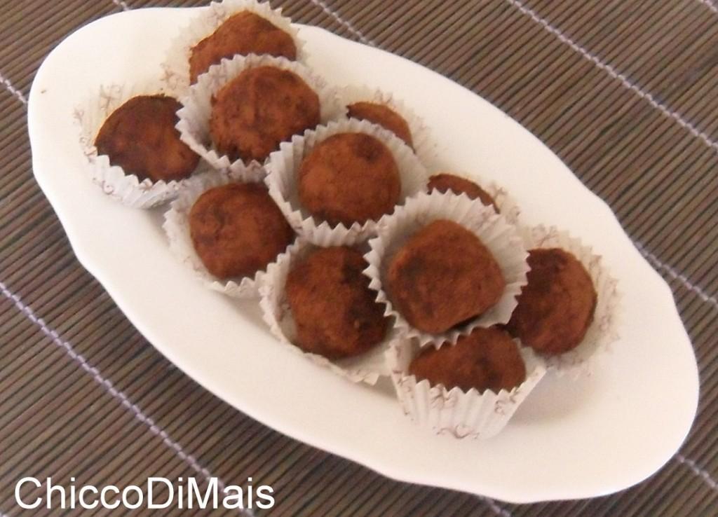 Dessert della vigilia tartufini alla nocciola ricetta menu di Natale il chicco di mais