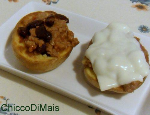 Patate ripiene di chili (ricetta potato skins)