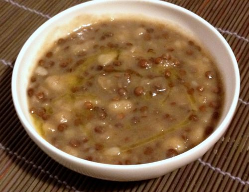 Zuppa di lenticchie e patate (ricetta vegetariana)