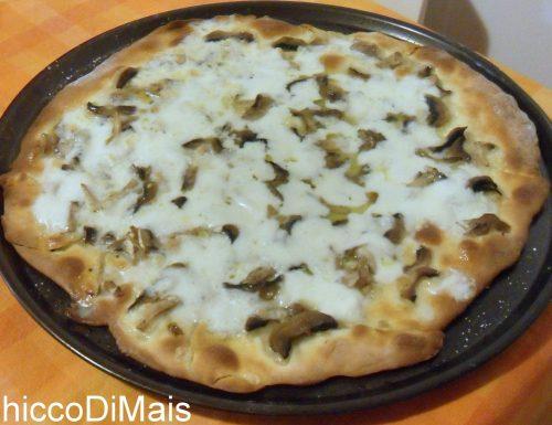 Pizza ai funghi (ricetta pizza a base bianca)