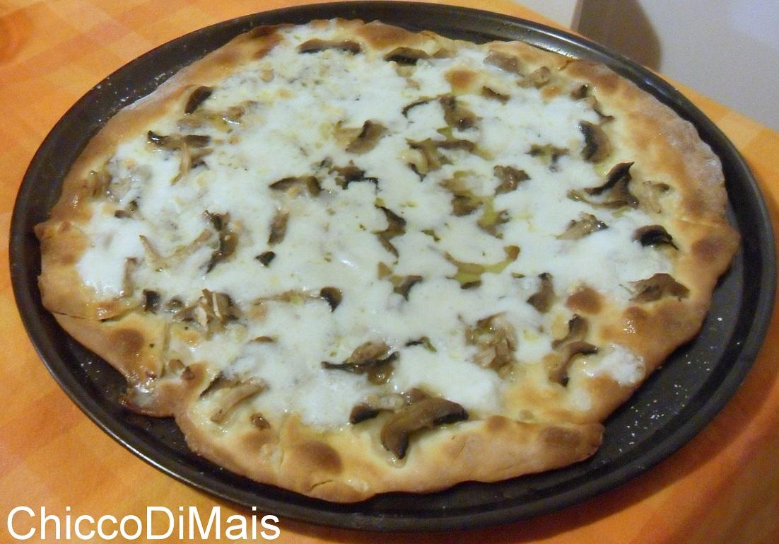 pizza ai funghi ricetta pizza a base bianca il chicco di mais