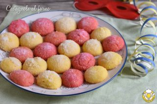 dolci di carnevale castagnole al forno morbide bagnate al liquore alchermes rum limoncello ricetta facile il chicco di mais