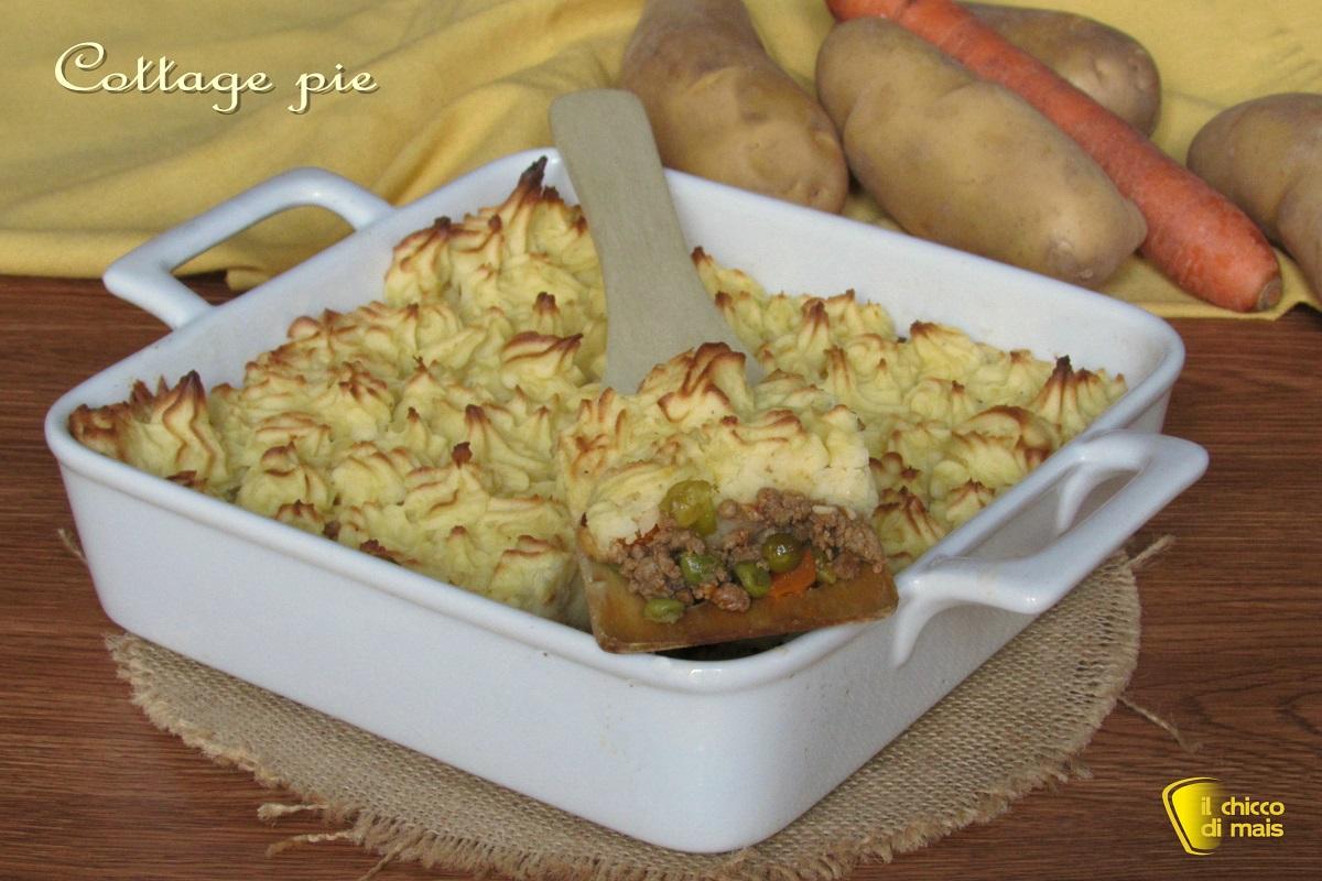 Cottage pie pasticcio di carne con copertura di patate ricetta inglese il chicco di mais
