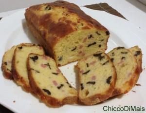 antipasti di Natale Plumcake con prosciutto e olive ricetta torta salata il chicco di mais