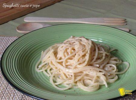 Spaghetti cacio e pepe (ricetta romana)