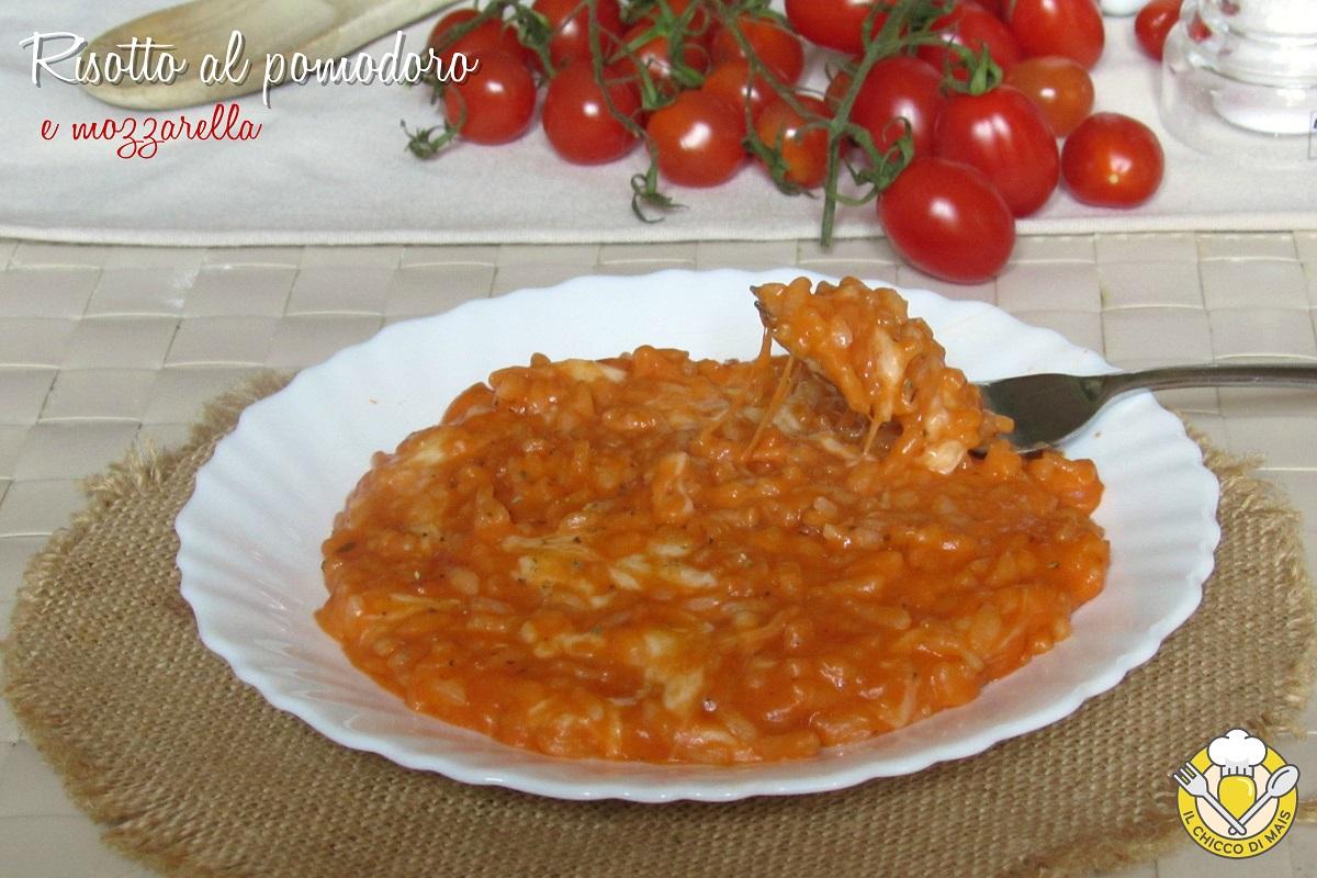 risotto al pomodoro e mozzarella filante ricetta semplice risotto alla pizzaiola il chicco di mais