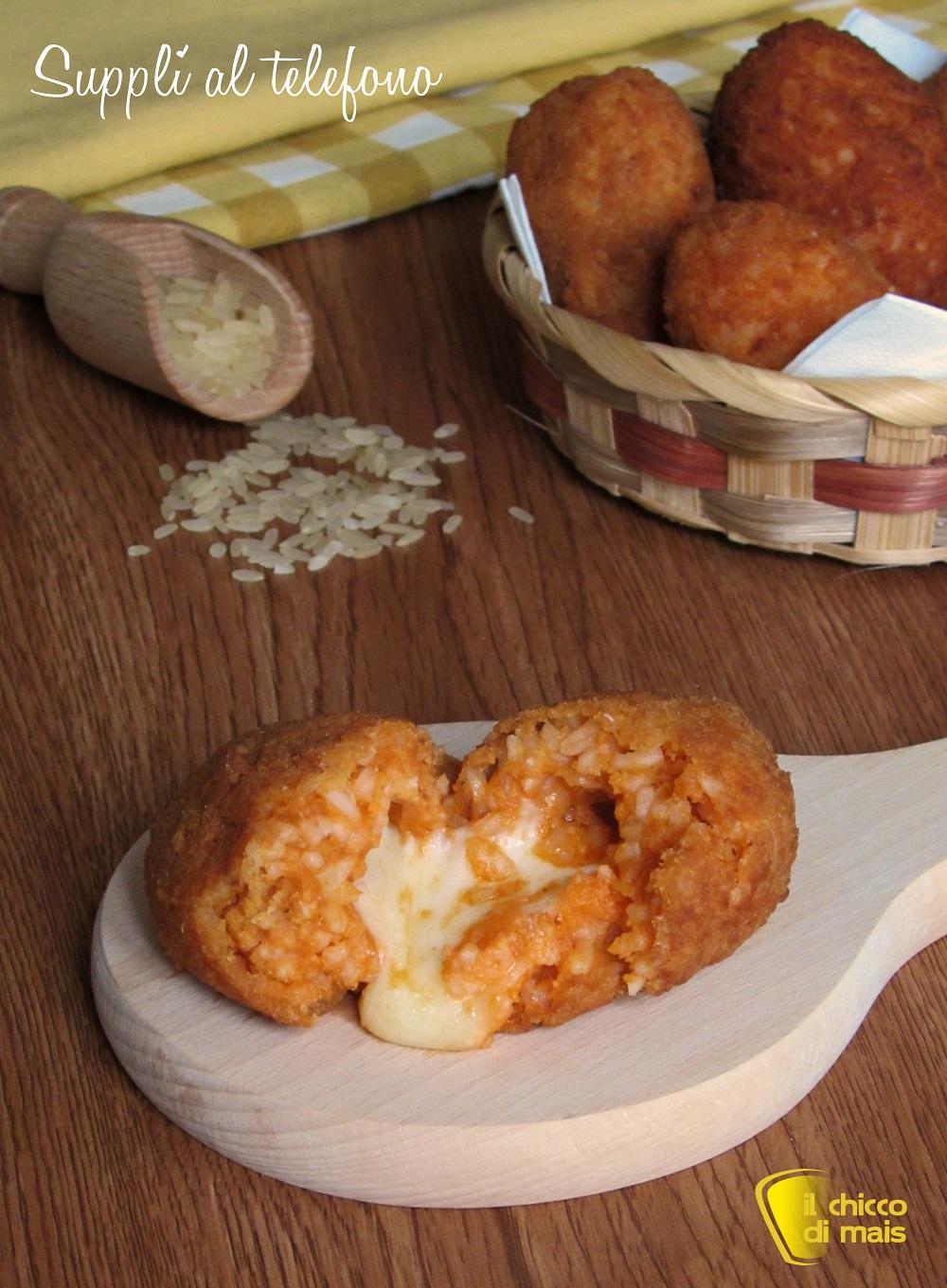 verticale Supplì al telefono con pomodoro e mozzarella ricetta originale romana crocchette di riso con mozzarella filante il chicco di mais