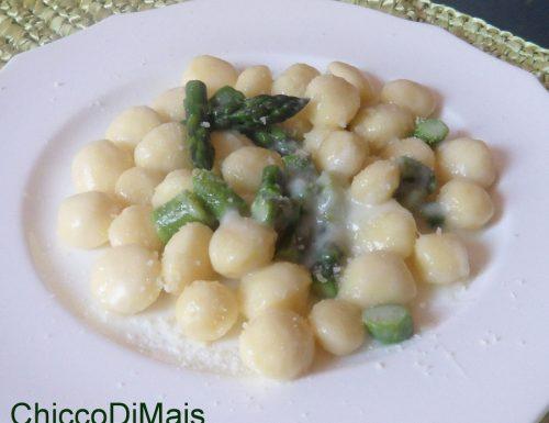 Gnocchi con asparagi e taleggio (ricetta primo)