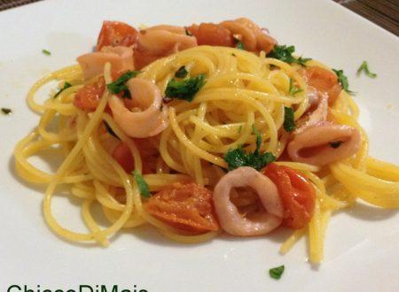 Pasta con i calamari (ricetta semplice)