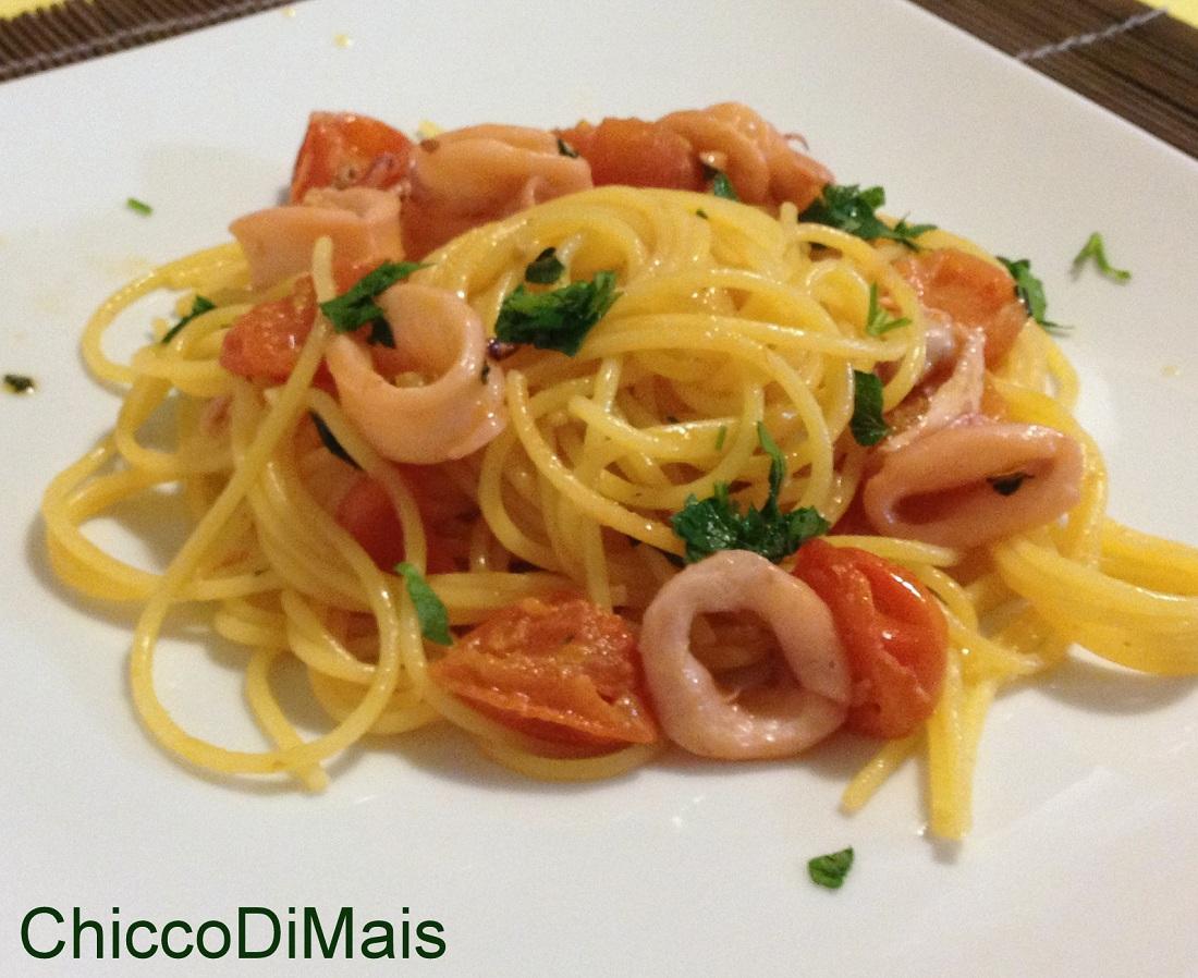 Pasta con i calamari ricetta semplice il chicco di mais