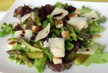 Insalata con asparagi e grana (ricetta light)