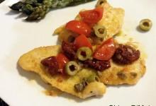 Scaloppine di pollo con pomodori secchi e olive (ricetta veloce)