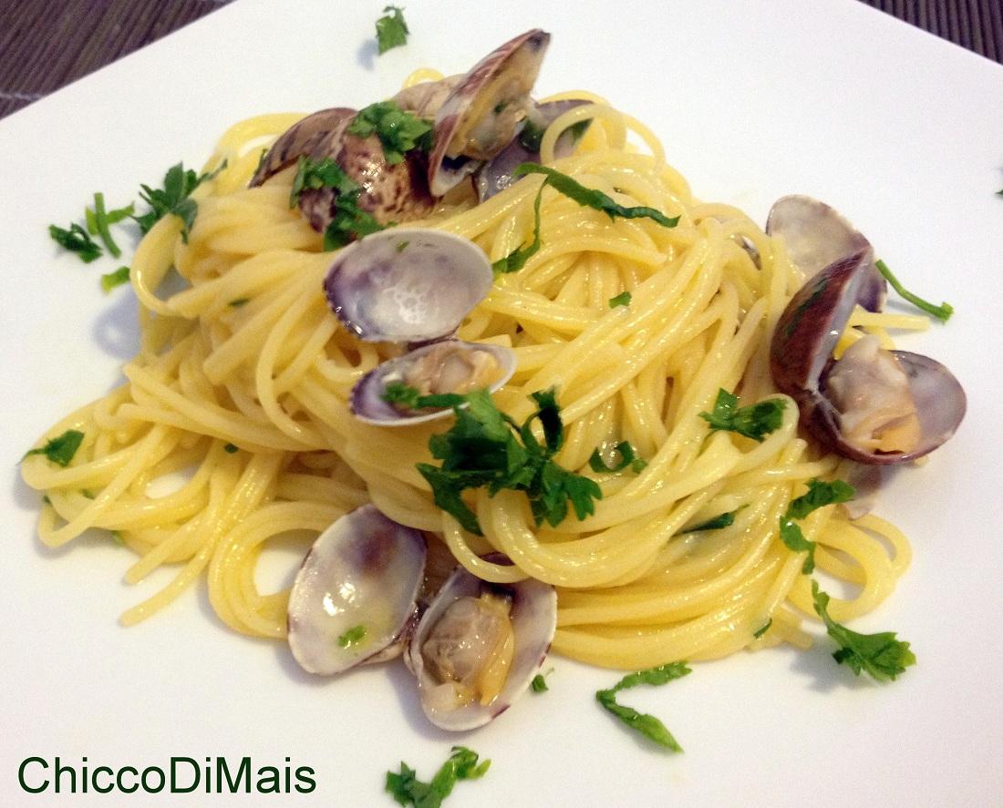 Spaghetti alle vongole ricetta classica il chicco di mais