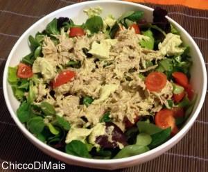 insalatone estive insalata di pollo con salsa all'avocado