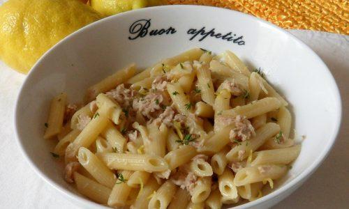 Pasta fredda con tonno e limone (ricetta veloce)