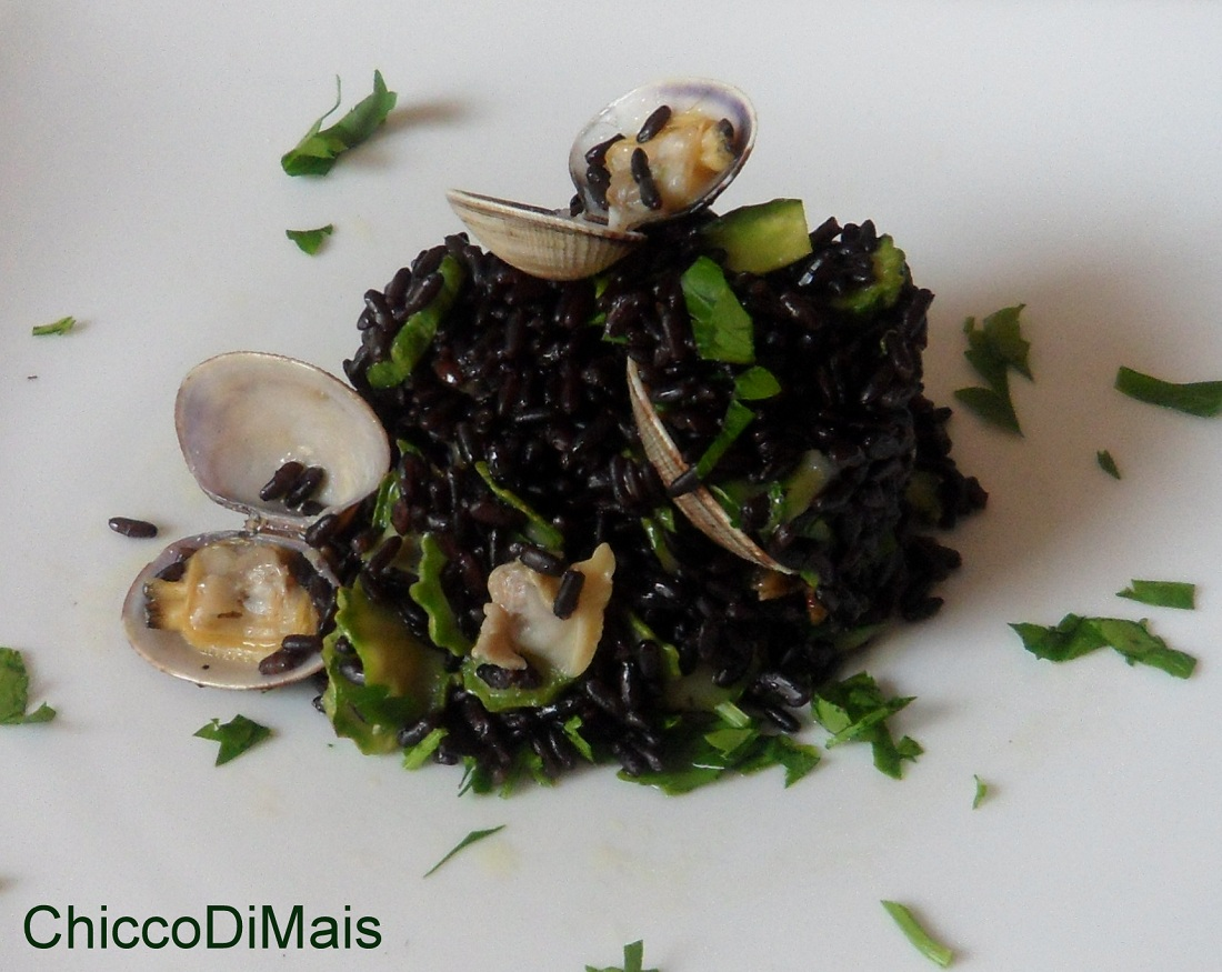 Ricette con zucchine facili e veloci il chicco di mais riso venere con vongole e zucchine