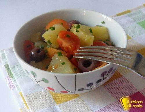 Insalata di patate con pachino e olive (ricetta contorno)