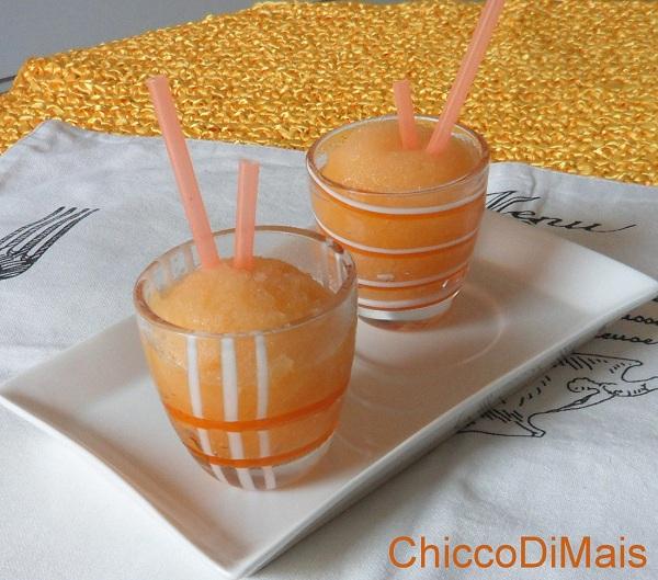 Menu di ferragosto dessert Sorbetto-al-melone-ricetta-senza-gelatiera-il-chicco-di-mais