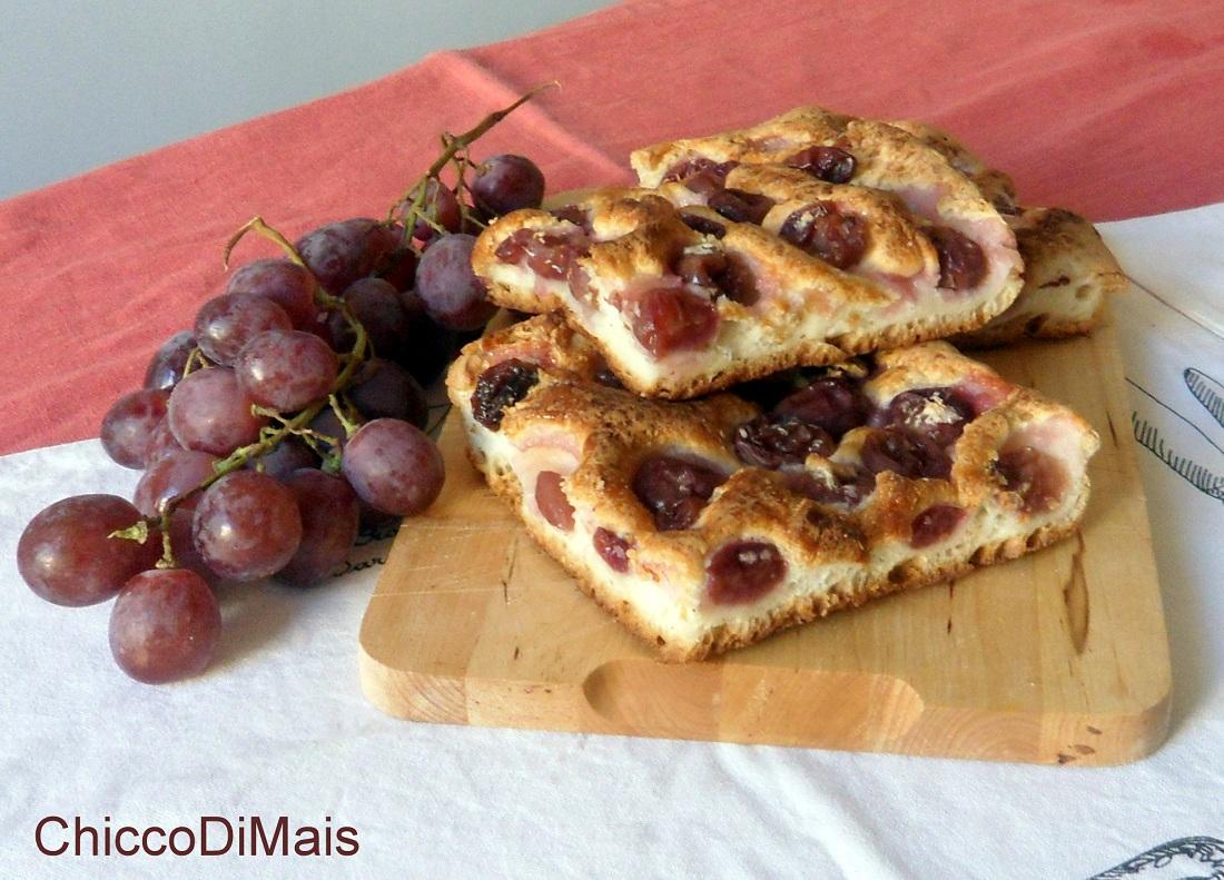 Focaccia all'uva ricetta dolce senza glutine il chicco di mais