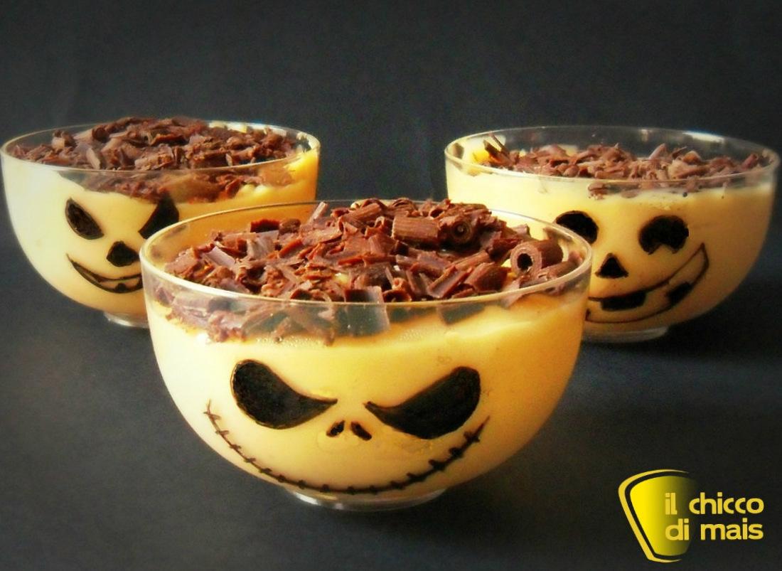 Budino di zucca ricetta dolce di Halloween il chicco di mais foto