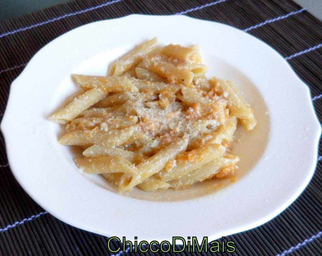 Raccolta di ricette con la zucca dolci e salate Pasta-con-zucca-ricotta-e-pecorino il chicco di mais