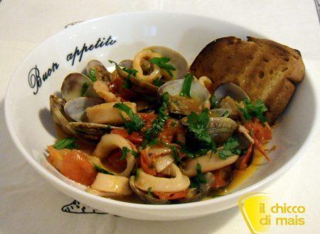 Calamari e vongole in guazzetto (ricetta secondo)