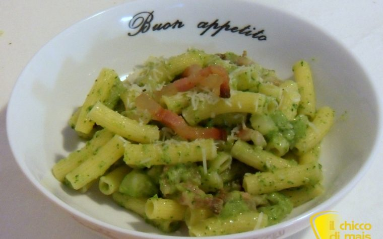 Pasta con i broccoli e guanciale croccante (ricetta primo)