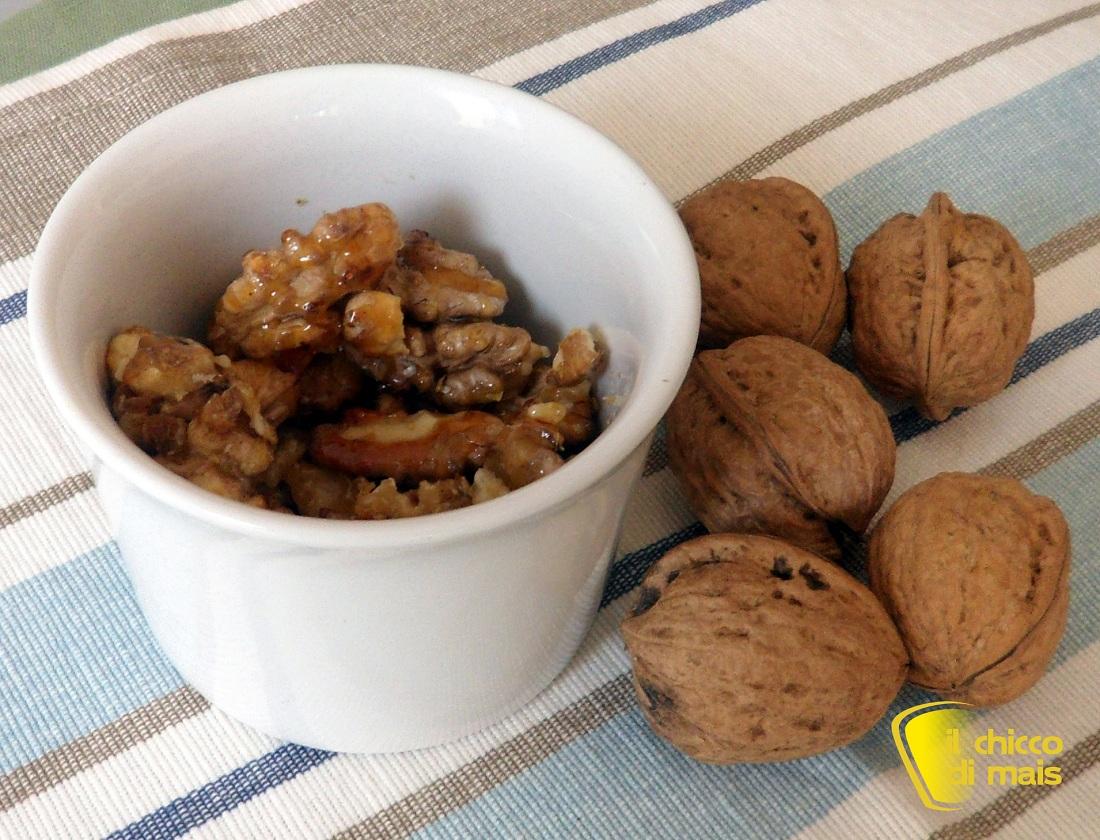 i dolci di natale Noci pralinate ricetta dolce per la Befana il chicco di mais