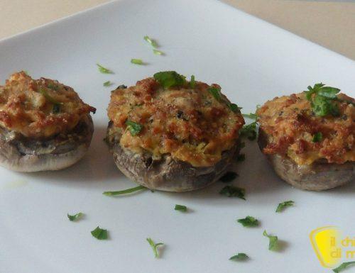 Funghi ripieni con salsiccia (ricetta facile)
