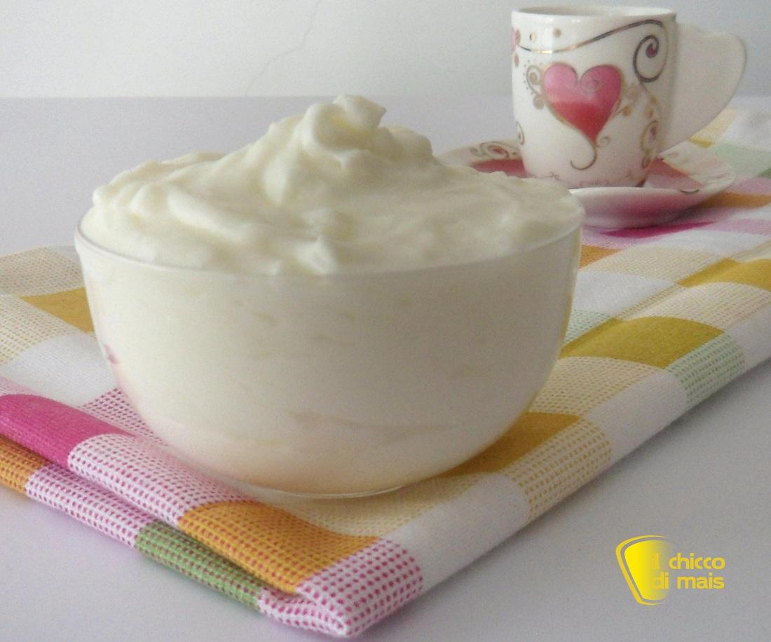 Crema al latte senza uova