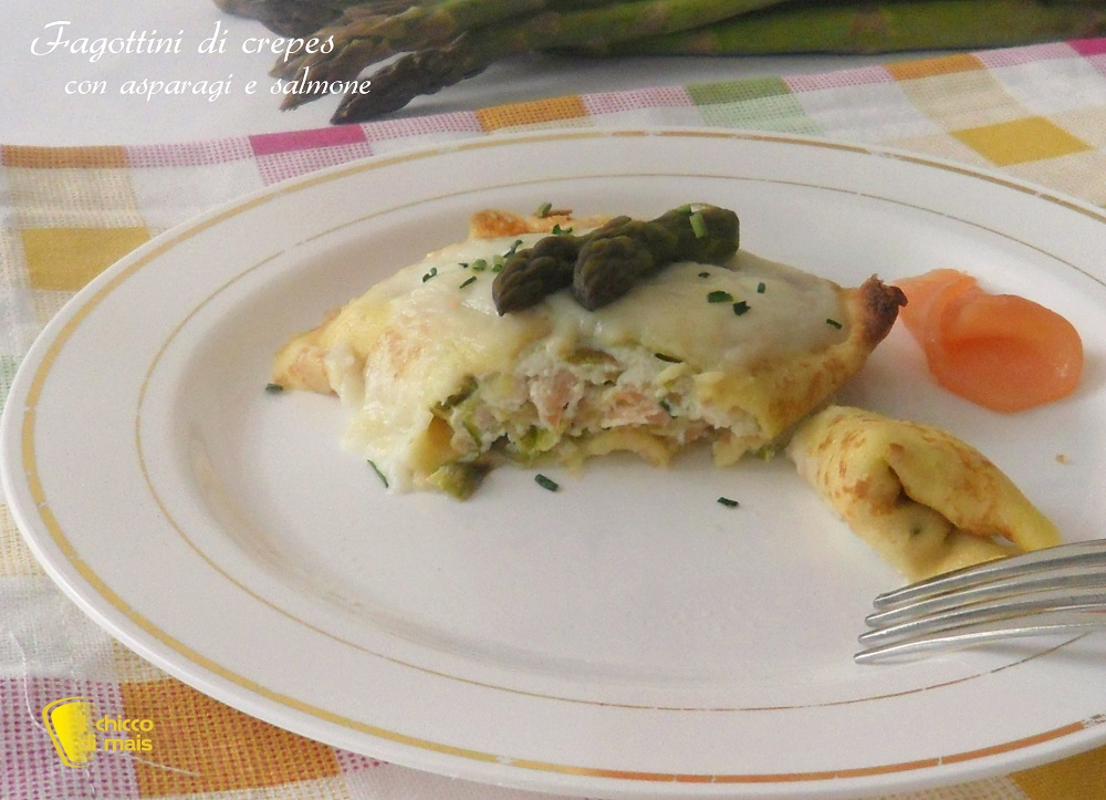 Fagottini di crepes con asparagi e salmone ricetta primo il chicco di mais