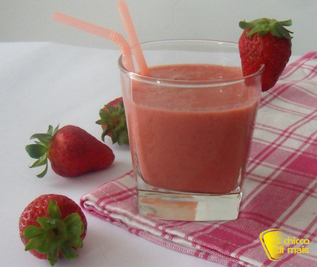 Smoothie alle fragole e yogurt ricetta light il chicco di mais