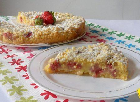 Sbriciolata alle fragole e crema (ricetta dolce)