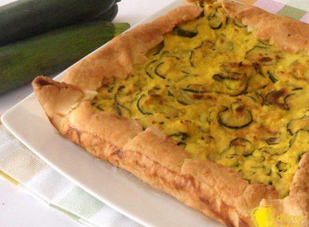 Torta salata con zucchine e zafferano (ricetta facile)