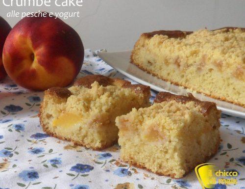 Crumb cake alle pesche e yogurt (ricetta dolce)