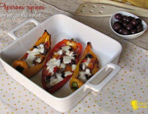 Peperoni ripieni con mozzarella e olive