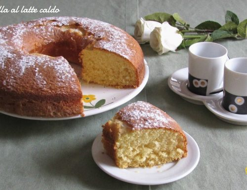 Ciambella al latte caldo (ricetta dolce soffice)
