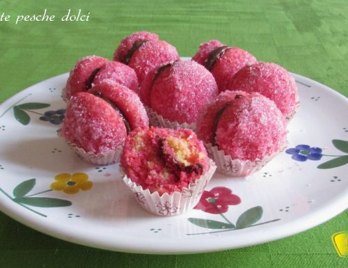 Finte pesche dolci all'alchermes