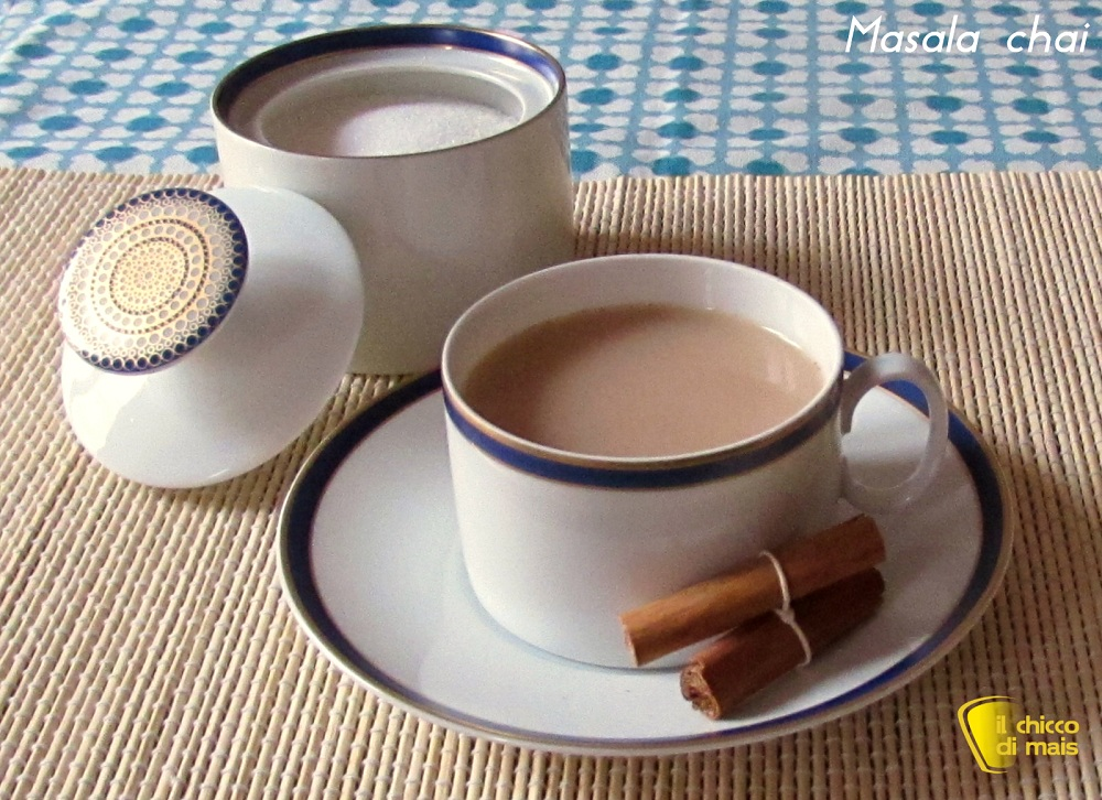 Masala chai o Masala tea, the speziato indiano il chicco di mais