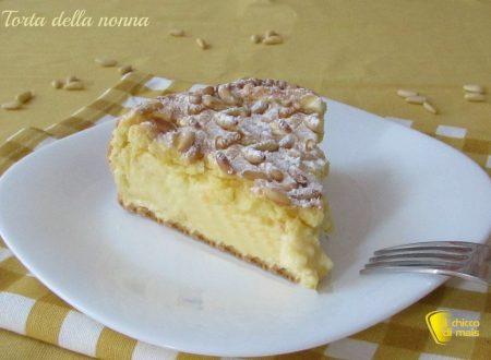 Torta della nonna con crema e pinoli (ricetta classica)