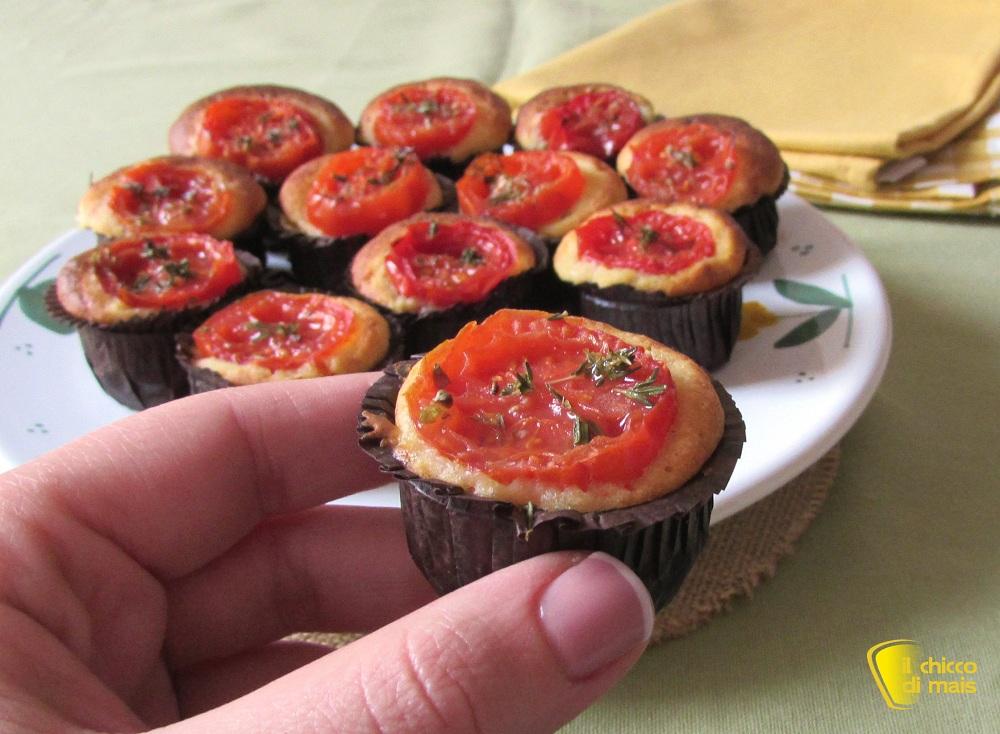 ricette per pasquetta Mini muffin salati ai pomodorini ricetta il chicco di mais