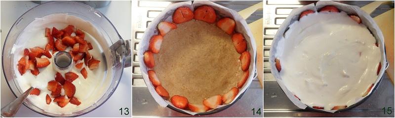 Cheesecake freddo alle fragole con copertura cremosa ricetta il chicco di mais 5 comporre la torta
