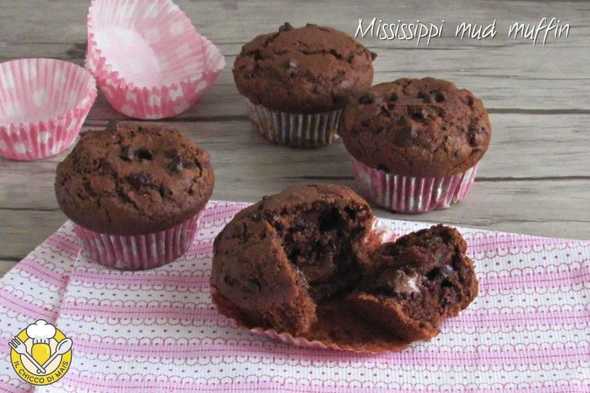 Mississippi mud muffin ricetta americana muffin di starbucks al cioccolato con cuore morbido il chicco di mais