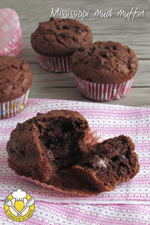 v_ Mississippi mud muffin ricetta americana muffin di starbucks al cioccolato con cuore morbido il chicco di mais