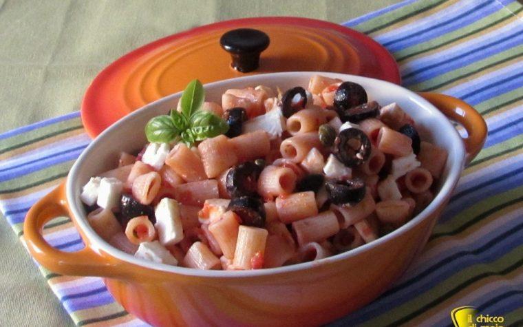 Insalata di pasta con olive e feta, ricetta