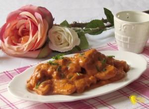 secondi veloci pollo cremoso in salsa rosa